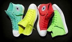 The New Collection Of Converse Shoes For Spring-Summer 2017 2018 Is Rich With Many New Features. Discover With Us The Chuck Taylor All Star Not To Be Missed Vans, Converse Shoes, High Top Sneakers, High Heels, Sneakers Nike, Spring Summer 2016, Shoe Collection, Chuck Taylors, Camouflage