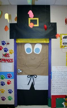 Top Thanksgiving Decor Tips selected just for you Thanksgiving Door Decorations, Thanksgiving Bulletin Boards, Halloween Decorations For Kids, Thanksgiving Art, School Decorations, Fall Crafts, Holiday Crafts, Crafts For Kids, Board Decoration