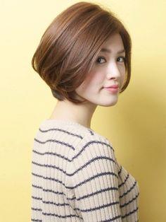 「カジュアル×コンサバ」ショートヘア   青山・表参道の美容室 AKsのヘアスタイル   Rasysa(らしさ)