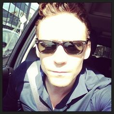 "Community Post: Tom Hiddleston Instagrams ""Thor 2"" Premiere, World Rejoices"