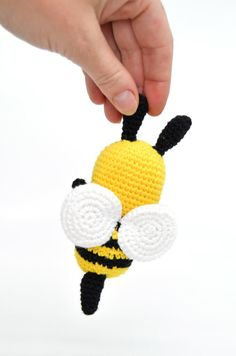 Baby Knitting Patterns, Crochet Patterns, Wasp, Free Pattern, Crochet Necklace, Bee, Make It Yourself, Mini, How To Make