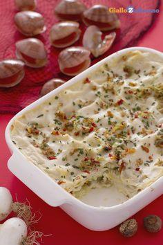 Per coloro che amano i piatti di mare le lasagne di #fasolari sono una pietanza perfetta che risalta il gusto unico di questi molluschi. #ricetta #GialloZafferano #Natale #Christmas #italianfood http://speciali.giallozafferano.it/natale