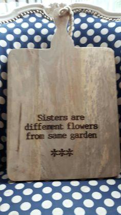 Er is een zus heel blij geworden met een gegraveerde kaasplank van #stempelfun