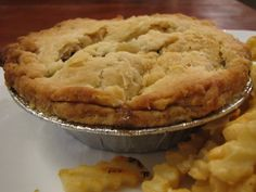 Simply Delicious Ground Beef Meat Pies - Make your Home Cozee with Christy Brown Gravy Mix, Beef Pies, Frozen Vegetables, Hand Pies, Meal Planner, Calorie Diet, Pie Recipes, Ground Beef, Stuffed Peppers