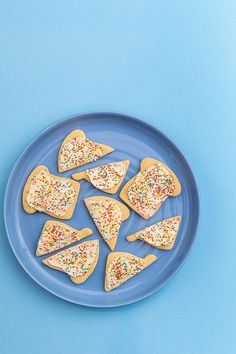 Try these delicious & cookies to celebrate. Recipe link in our bio . Fairy Bread, Recipe Link, Sprinkles, Sweets, Sugar, Photoshoot, Cookies, Happy, Desserts