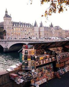 Bouquiniste en Seine.