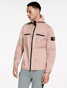 6515 Stone Island_AW '016 '017 _ 109LN Hooded over shirt in stretch cotton broken twill. Garment dyed. http://www.stoneisland.com/gallery/index?section=stone_island_preview_fw16&mm=269&season=secondary&siteCode=STONEISLAND_IT