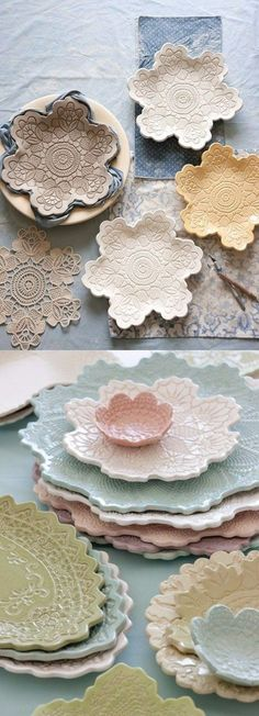Make your own lace pottery - house decorations - Basteln - Keramik - Beton - DIY - Craft Clay Projects, Clay Crafts, Diy And Crafts, Arts And Crafts, Decor Crafts, Make Your Own Pottery, Pottery Making, Pottery Houses, Air Dry Clay