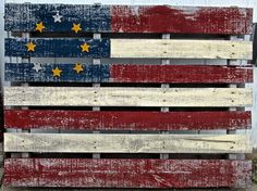 Recycle project: turn an old pallet into an awesome American flag. Love this idea.