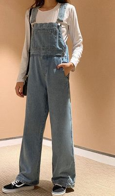 Denim Overalls Outfit, Denim Romper, 90s Fashion Overalls, Long Overalls, Cute Overalls, Denim Outfits, Overalls Women, Dungarees, Retro Outfits