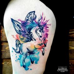 Brand new watercolor thigh tattoo from Logios! #saketattoocrew #logios #thigh #watercolor #unicorn #pegasus