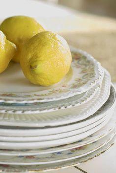 Lemons and mismatched vintage plates. Vintage Plates, Vintage Kitchen, Antique Plates, Vintage China, Yellow Cottage, Brunch, Joy Of Cooking, Pink Lemonade, Lemon Lime