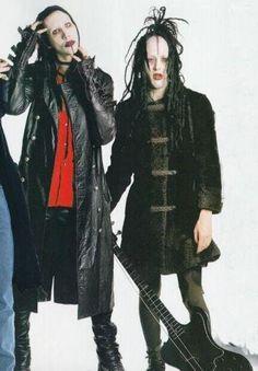 manson and twiggy <3 i love them <3
