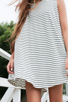 Adorable full skirted black & white tee shirt dress