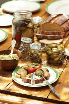 Green olive tapenade for Sarie sk0904riebeeck025