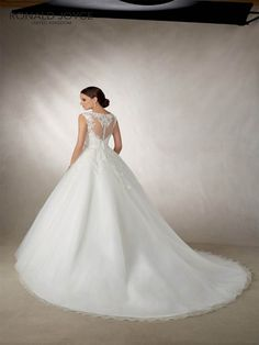 c37af723604 18 Best Dresses images in 2019