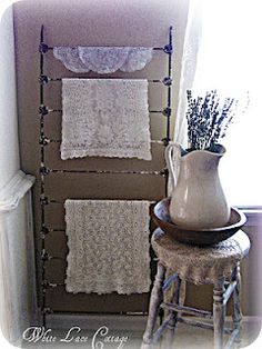 Pinner said: use the springs from the crib and shabby it out or hand/antique shop for an old vintage crib spring! Repurposed Furniture, Home Furniture, Crib Spring, Metal Chairs, Wood Chairs, Iron Crib, Vintage Crib, Modern Crib, Bed Springs