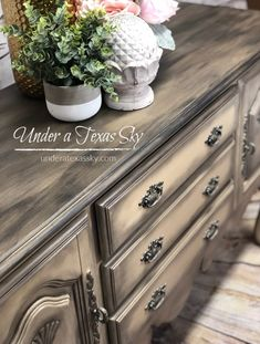 Breathe New Life into Outdated Furniture Cherry Wood Furniture, Grey Furniture, Chalk Paint Furniture, Distressed Furniture, Colorful Furniture, Furniture Projects, Furniture Websites, Pipe Furniture, Furniture Outlet