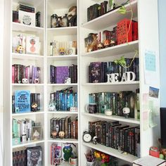 (Previous pinner ) I had a very productive day yesterday and finally rearranged my bookshelves again and since the last real #shelfie I posted is ages ago here it is now! I'm glad the rainbow is back haha.