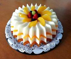 Jello Cake, Jello Desserts, Delicious Desserts, Yummy Food, Gelatin Recipes, Jello Recipes, Brunch Recipes, Birthday Cake Writing, Baby Birthday Cakes