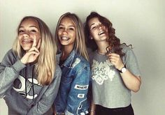 Lisa and Lena with their best friend Laura