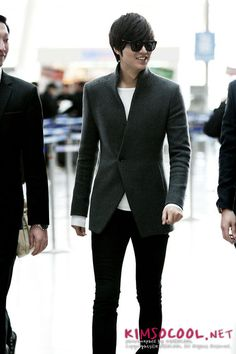 2011-12-2 at Beijing Airport from Shanghai   Lee Min Ho