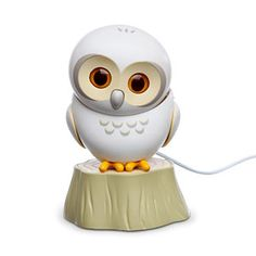USB Owl.. he moves and blinks! Oh dearest husband of mine, if you're reading this, I *STILL* want one of these!