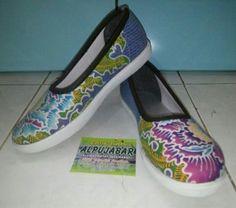 Sepatu Batik tulis. Surabaya_indonesia Fast respon: 083831396850