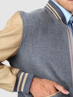 Find out some very nice mens fashion. With so much fashion for guys available currently, it can be a daunting encounter. Look At These Men's Jackets. Mens Fashion Blog, Best Mens Fashion, Man Fashion, Smart Casual Menswear, Men Casual, Masculine Style, Men's Coats And Jackets, Men's Wardrobe, Gentleman Style