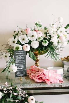 Elegant party inspiration  | Photo by Jennifer Young Studio | Read more - http://www.100layercake.com/blog/wp-content/uploads/2015/03/elegant-engagment-party-inspiration