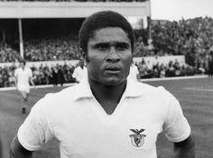 Eusébio virou lenda no Benfica.Goleador da Copa do Mundo de 1966, ganhador da Bola de Ouro do ano...