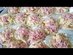 Mini Pizza - YouTube Mini Pizzas, Focaccia Pizza, Breakfast, Bagel Pizza, Wafer Cookies, Cakes, Noodle, Yummy Recipes, Meals