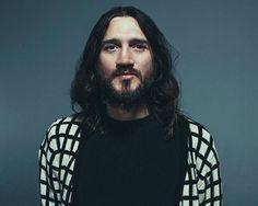 Ex-guitarrista do Red Hot Chili Peppers John Frusciante libera músicas inéditas na web