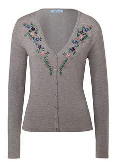 Lola Paltinger   Strickjacke mit Perlenstickerei   Bestellnr. 335794   € 89,99   #HSE24 #Trachten #Wiesn