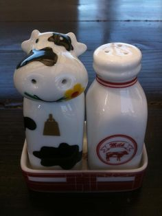 cow & milk S shakers