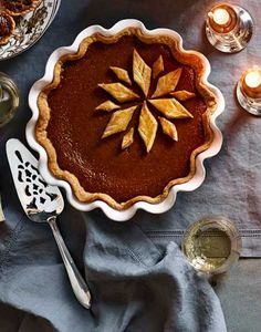 Emile Henry Ruffled Pie Dish in Taupe + Decorative Pie Server // Recipe: Classic Pumpkin Pie