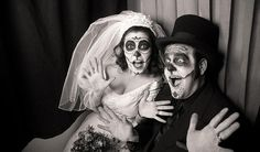 DIY vintage Halloween wedding