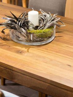 Bukový jídelní rozkládací stůl Palermo s jedním výsuvným křídlem  bude dozajista středobodem dění ve Vaší domácnosti. Je zhotoven z jakostního bukového masivního dřeva a ošetřen ekologickým bezbarvým lakem. Masivní dřevo je zdravotně neškodný materiál, který je nejvhodnější zejména pro děti a alergiky. Palermo, Table Decorations, Furniture, Home Decor, Decoration Home, Room Decor, Home Furnishings, Home Interior Design, Dinner Table Decorations