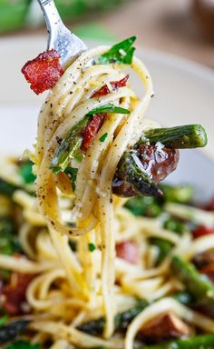 Roasted Asparagus and Mushroom Carbonara. Roasted Asparagus and Mushroom Carbonara Pasta Dishes, Food Dishes, Dinner Dishes, Rice Dishes, Veggie Dishes, Main Dishes, Pasta Recipes, Cooking Recipes, Dinner Recipes