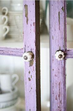 shabby purple cabinet      want more boho? clickhere❂
