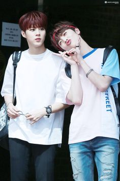 """160520 UP10TION Music Bank Commute Wooshin and Xiao Cr: 화이트 ❄️ "" Do not edit"
