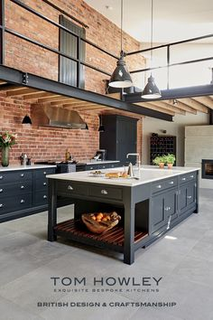 61 Ideas For Kitchen Loft Industrial House Loft Industrial, Industrial Kitchen Design, Vintage Industrial Decor, Modern Kitchen Design, Rustic Kitchen, Interior Design Kitchen, Kitchen Decor, Industrial Furniture, Industrial Lighting