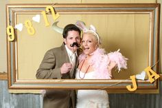 Rustic country wedding DIY photo booth