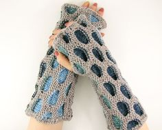 Fingerless gloves fingerless mittens knitted arm warmers knit honeycomb motif orchid blue tagt team teamt