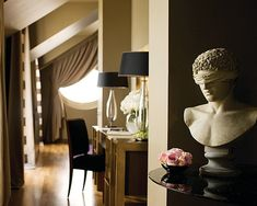Eye For Design: Decorate Your Interiors With Classical Statuary