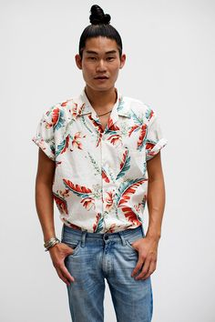 Ok, picture me in a thrifted aloha shirt like this gentleman in Milan, but with a white pencil skirt. NEW TREND.