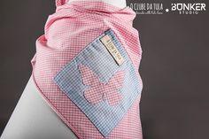 Pañuelo para perro Civic Dog™ & Dreams, Vichy rosa (by O Clube da Tula)... Un sueño de pañuelo que dará charme a tu perrita mientras cumple su noble función de dispensador de bolsitas... http://oclubedatula.com/es/produtos/item/panuelo-civic-dog-dreams-vichy-rosa/