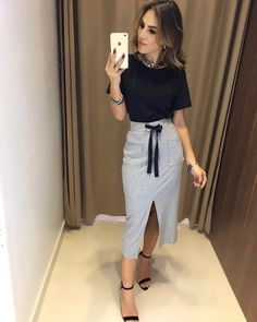 In Love T-Shirt Angelica Preta | Saia Mônica Compras on line: www.estacaodamodastore.com.br Whats app: (45)99820-6662 - Andreia #VAREJO #ATACADO ☎️SAC: (45)3541-2940 ou 3541-2195 E-mail: vendas@estacaodamodastore.com.br Facebook: Estação Store