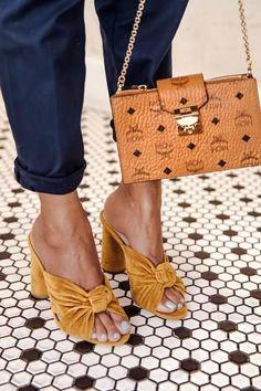 Women shoes For Work 2020 - Cute Women shoes Fashion - Women shoes High Heels Wedges - Women shoes Puma - Women shoes Fashion Style - Women shoes High Heels Women's Shoes, Cute Shoes, Me Too Shoes, Shoe Boots, Shoes Jordans, Golf Shoes, Ankle Boots, Shoes Sneakers, Look Fashion