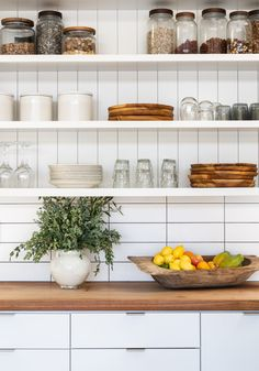 Kitchen Shelf Styling, Sweden Meets Malibu in This Serene Oceanfront Farmhouse Kitchen Shelf Decor, Kitchen Shelves, Kitchen Shelf Design, Kitchen Furniture, Kitchen Stuff, Kitchen Backsplash, Black Kitchens, Cool Kitchens, Dream Kitchens